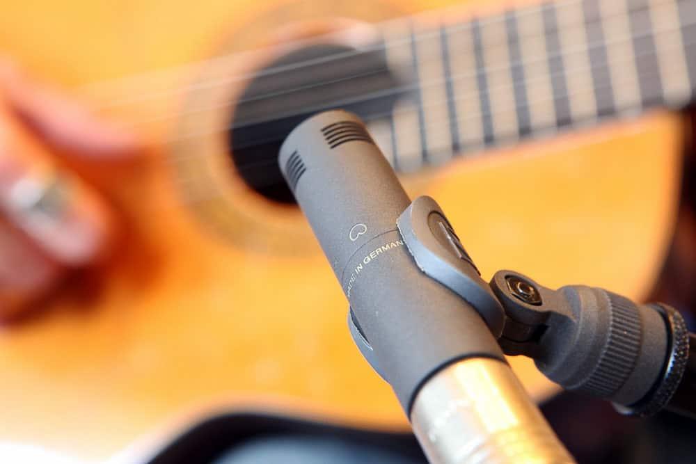 Die Abnahme einer akustischen Gitarre