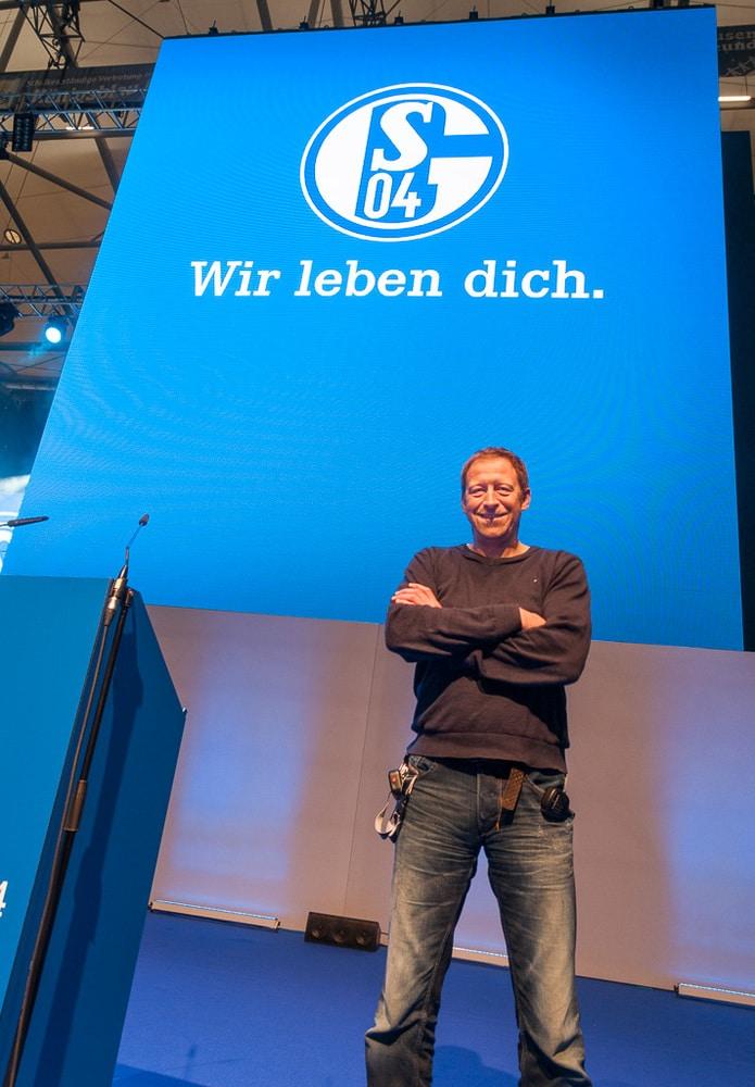 Alexander Baron unterstützt seit 17 Jahren Schalke 04 medientechnisch