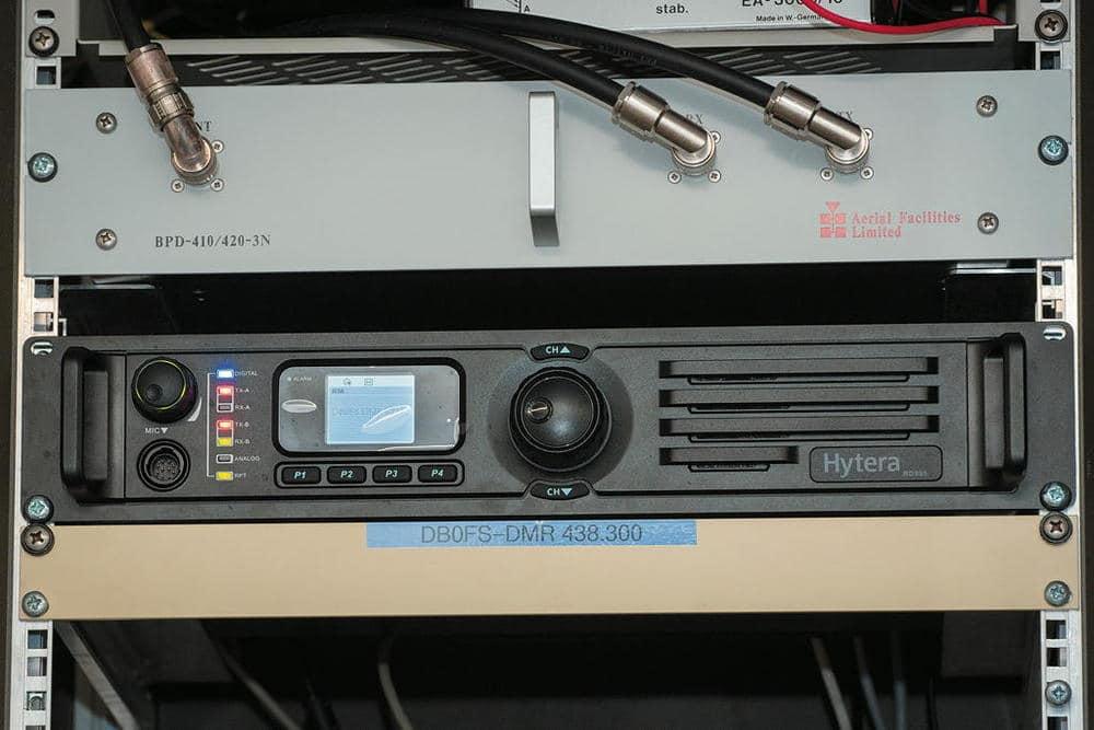 Hytera RD985 – Repeater im Rack