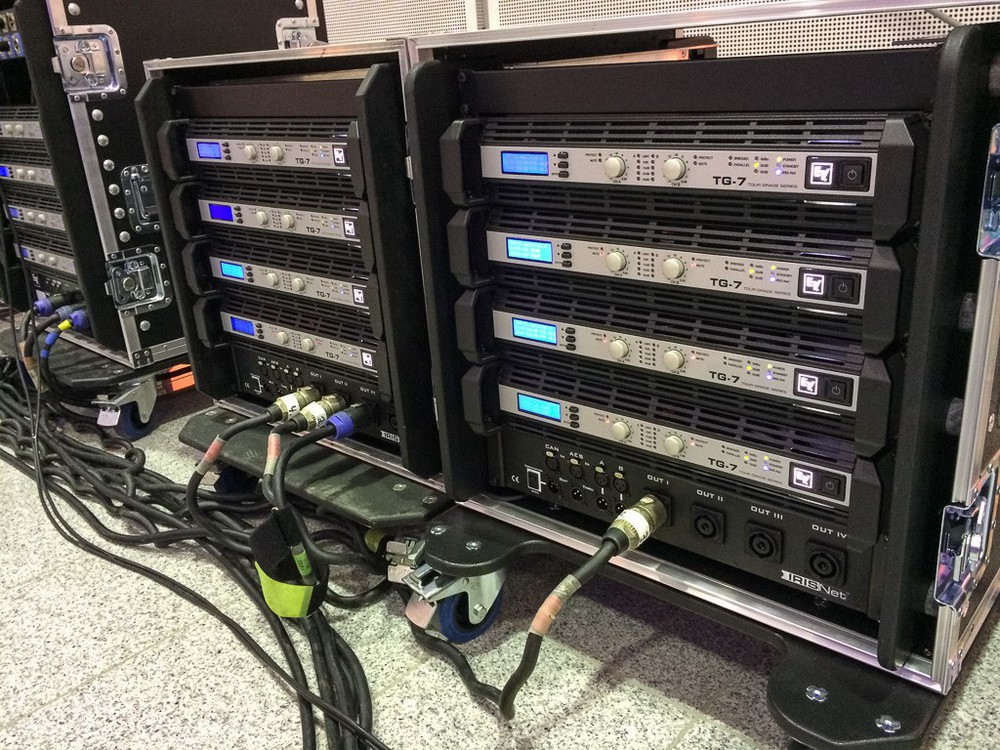 X2-Amprack mit TG7 Amps/RCM-28 DSP-Modulen