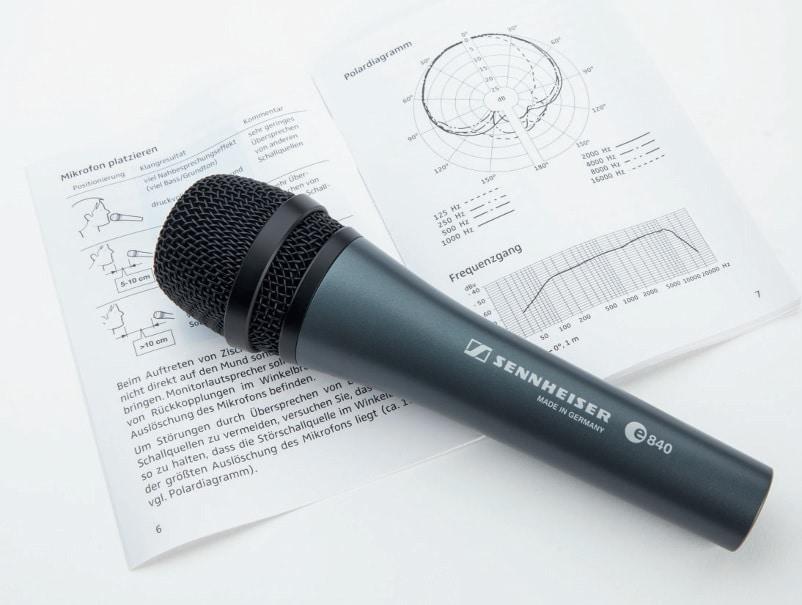 In jeder Mikrofonverpackung sollten die Frequenzschriebe der jeweiligen Mikrofontypen enthalten sein. Je nach Modell und Hersteller sind aber oft nur ausgewählte Parameter abgebildet