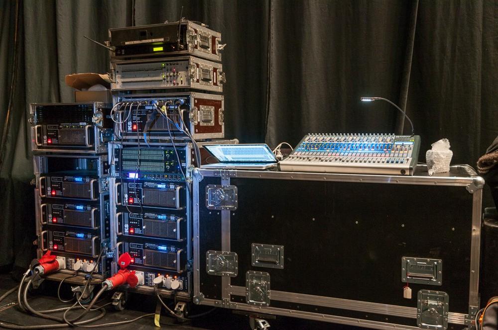 Firtec-Controller-Amping für die P Line-Arrays und Recording-Setup