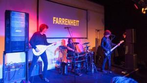 Live-Band Bose F1