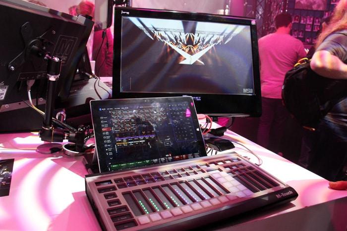 Martin M-Touch Aufbau hier mit Surface und externem Monitor