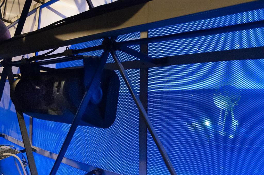 Die drei Fragezeichen im Planetarium Bochum QSC-Lautsprecher