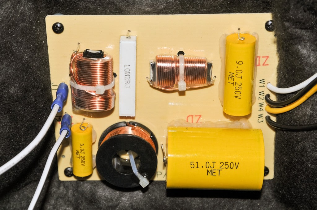 Folienkondensatoren der JBL SRX800 Serie