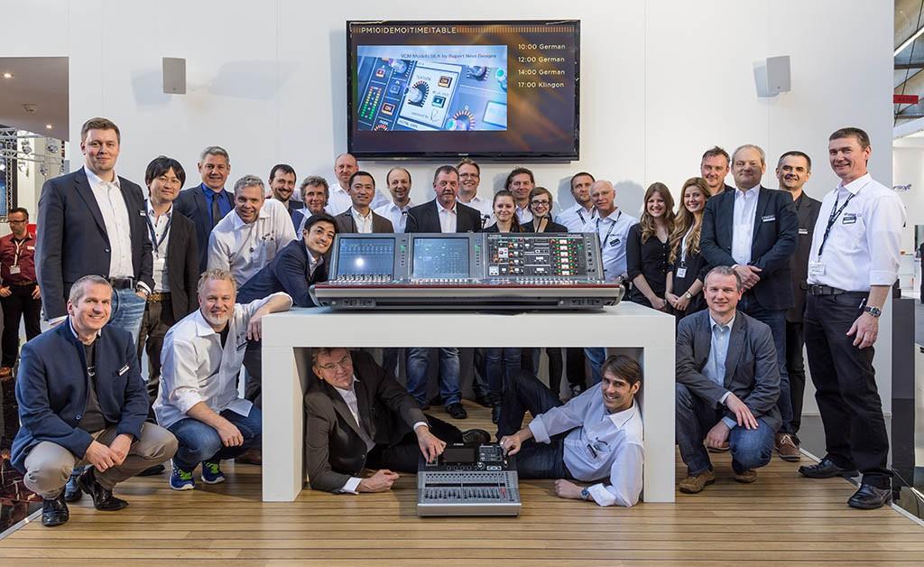 Das Team von Yamaha gratuliert Production Partner zum 25. Jubiläum