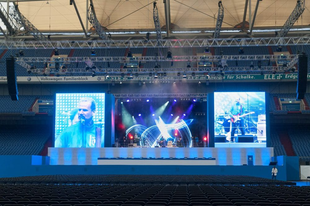 Bühne mit offener LED-Wand