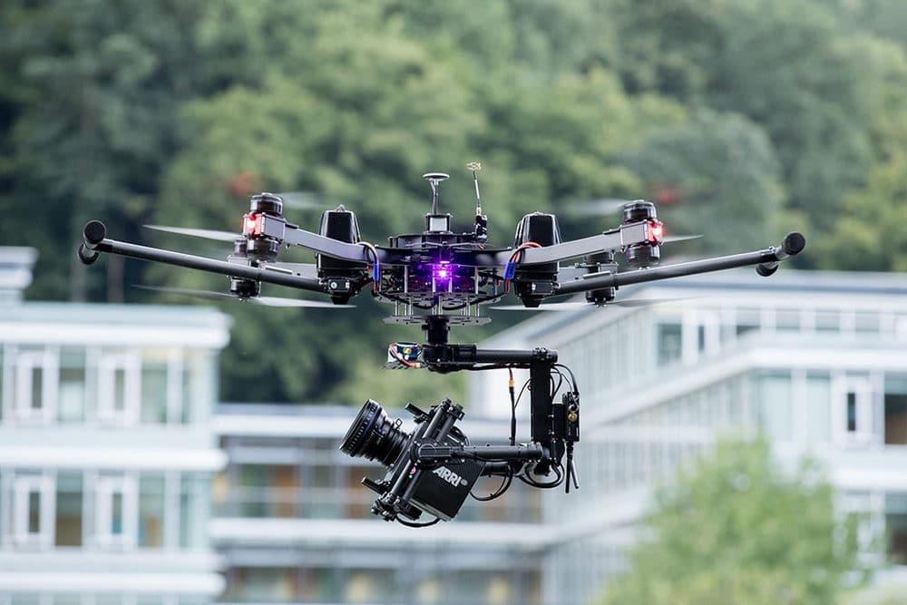Drohne mit Alexa Mini, Zeiss CP