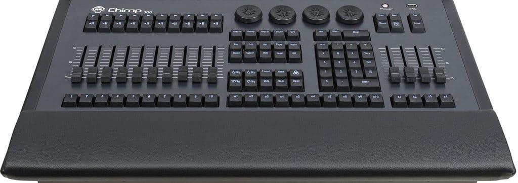 Frontpanel des Highlite Infinity Chimp 300