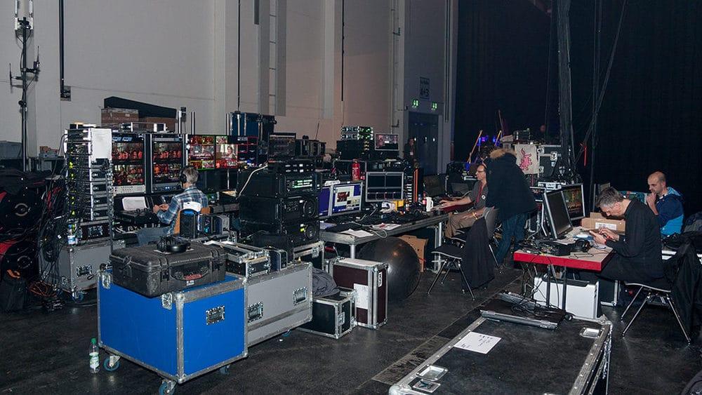 Multimedia-City hinter der Bühne