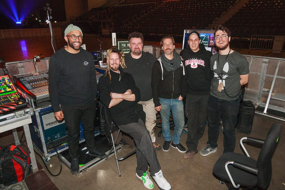 Ton-Crew mit Lichtdesigner Boris Ekambi, Bertil Mark, Arnd Wagner, Kaspar Wiens, Tim Ehrenfried und René Pinnau