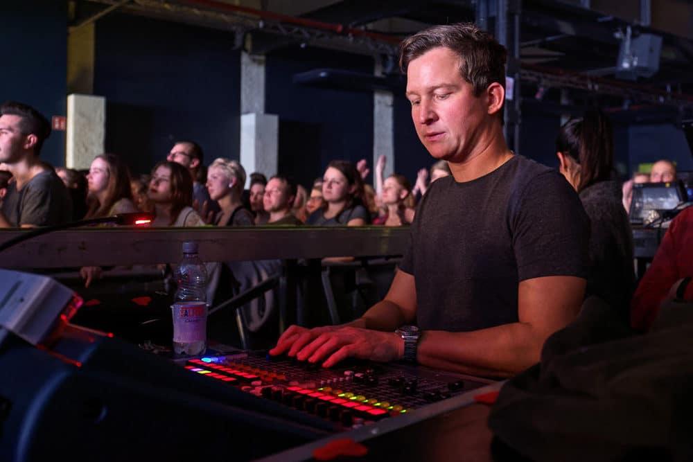 Jakob Bernhart verantwortete den FOH-Sound bei Jennifer Rostock im Palladium Köln.