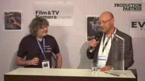 Hartmut Kulessa (r.) und Chefredakteur Walter Wehrhan im Videostudio auf der Prolight + Sound 2017.