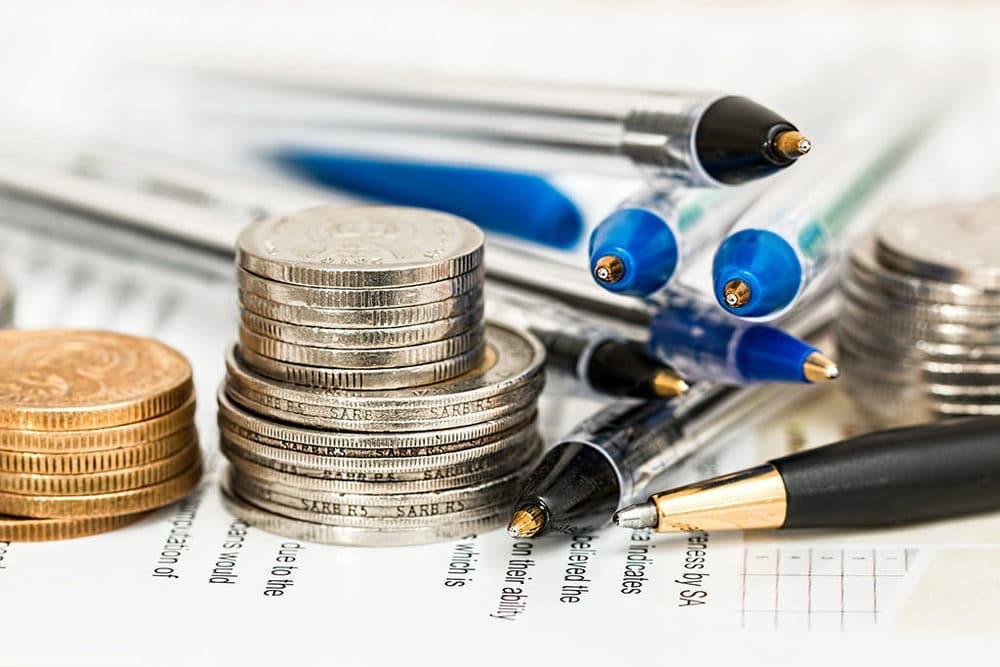 Münzen und Stifte