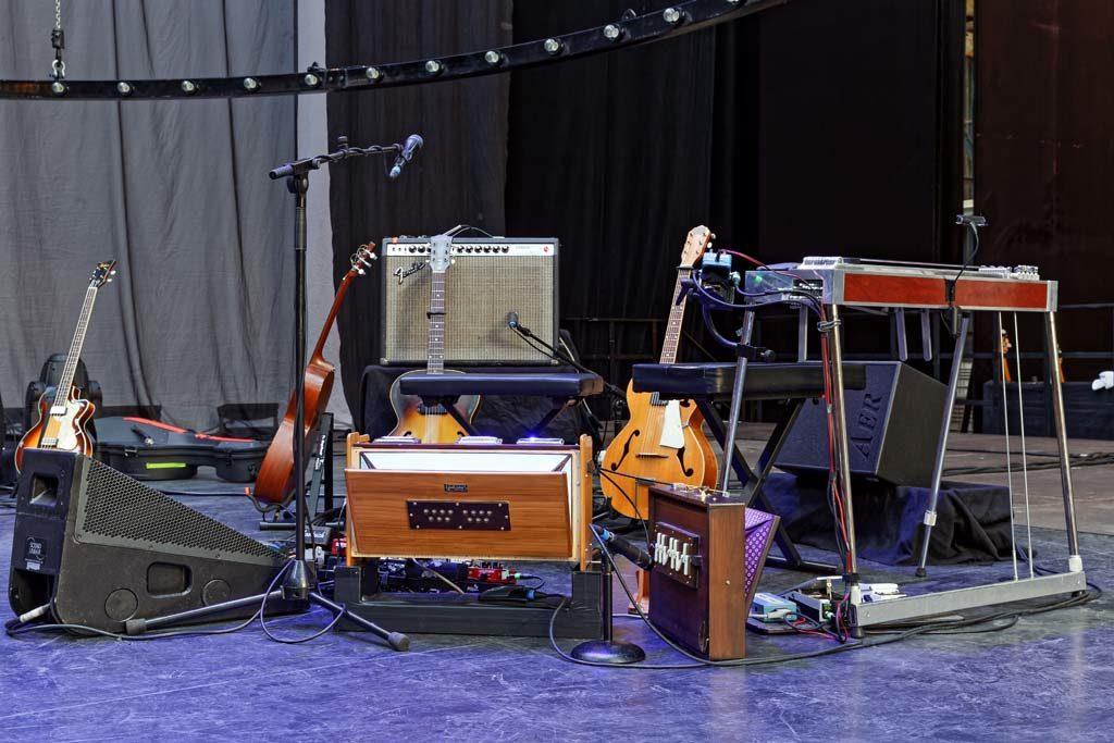 Bühne mit Instromenten