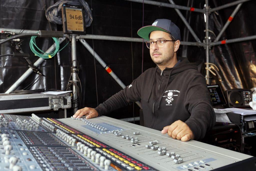 Guido Craveiro Reggae-Producer par excellence, mischte den FOH-Sound beim Auftritt von Jamaram auf der Red Stage