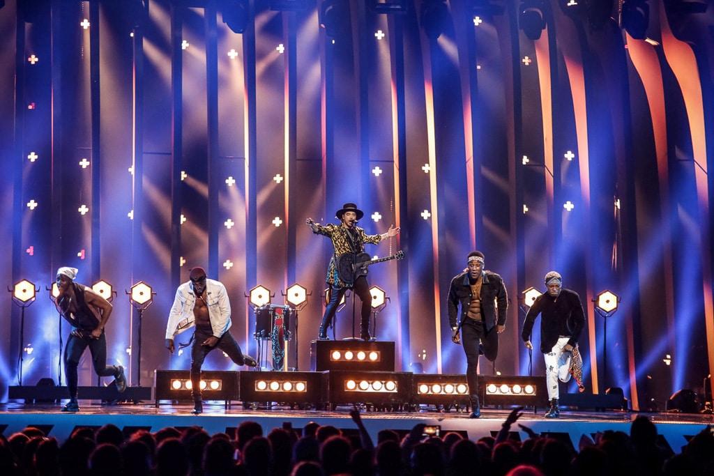 Blick auf die Bühne des ESC 2018 während des Auftrittes des niederländischen Künstlers