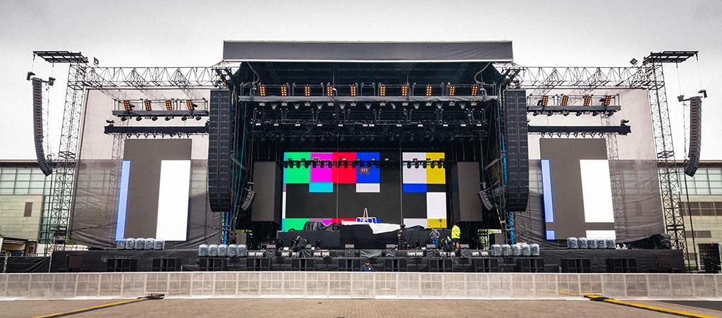 L-Acoustics Produkte an der Bühne für den einzigen Deutschland-Auftritt von Eminem in Hannover 2018