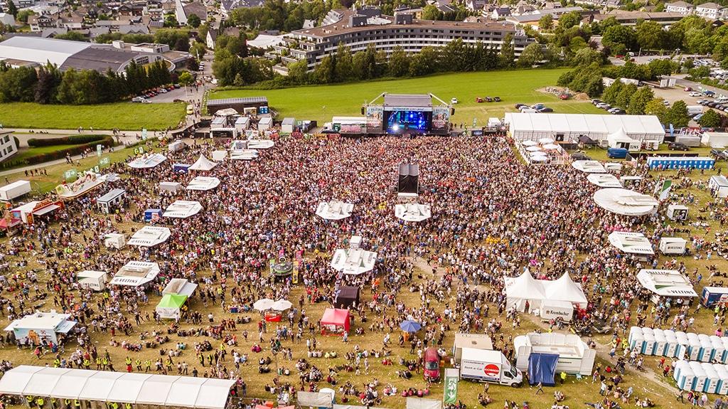 Blick aus der Luft auf das Festivalgelände von Viva Willingen