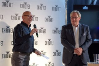 Michael Brooksbank (General Manager Chauvet Europe) und Thomas Fischer