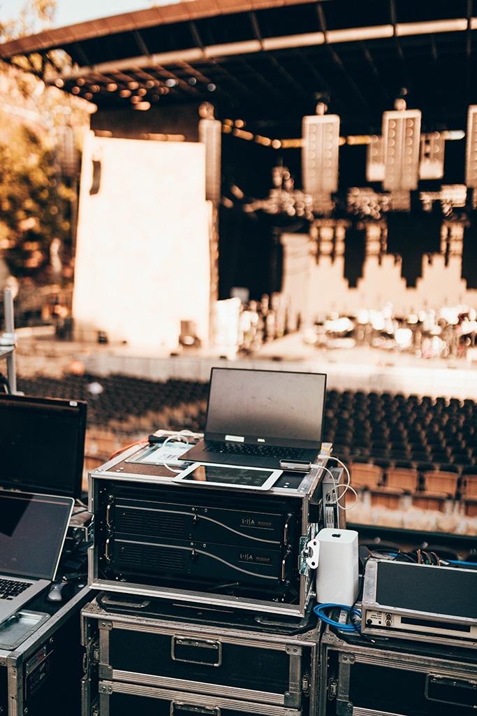 Blick vom FOH auf die Bühne im Santa Barbara Bowl