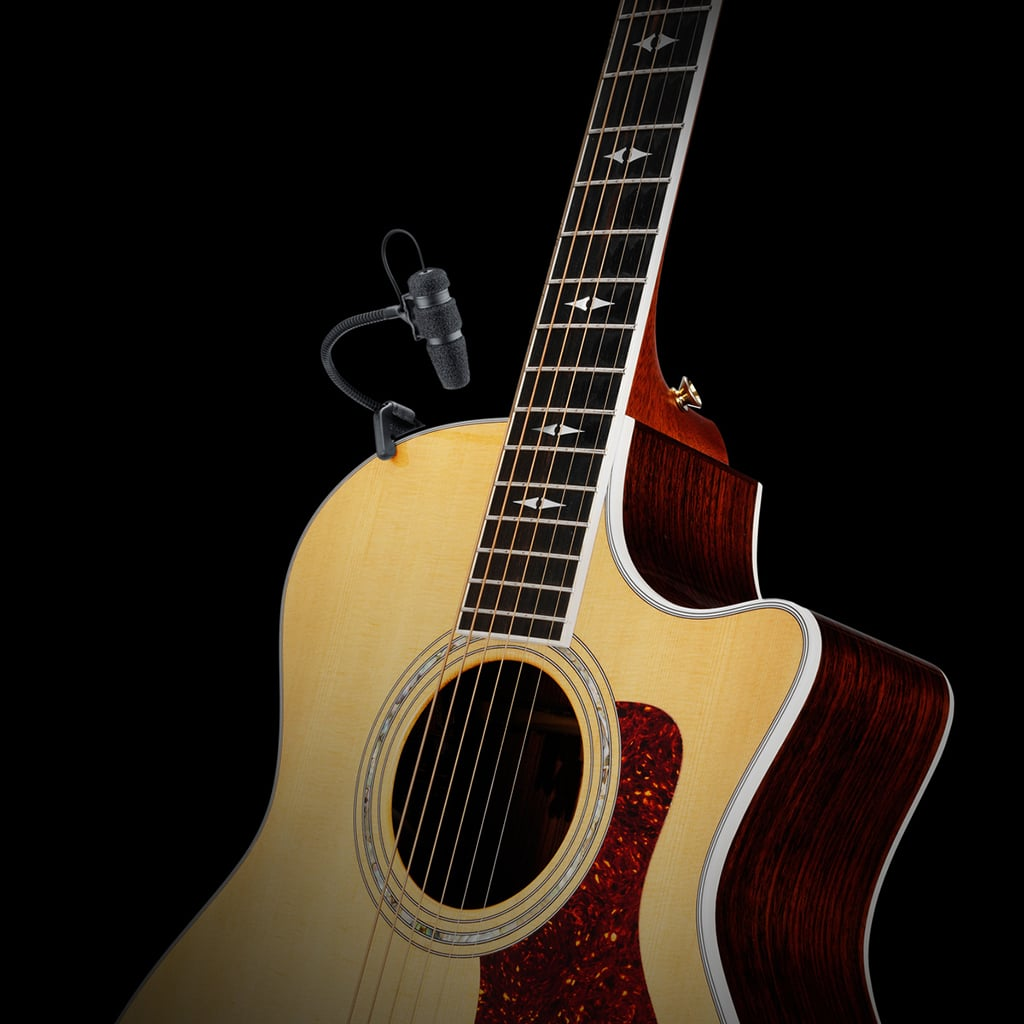 DPA Mikrofon an einer Gitarre
