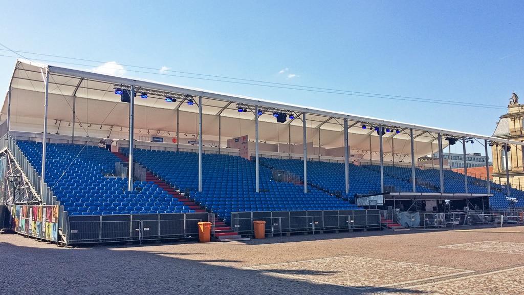 Leere Zuschauertribüne beim Jazzopen-Festival Stuttgart 2018