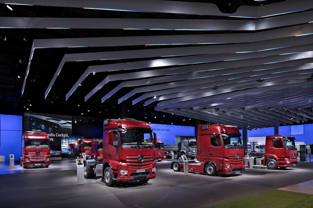 Messestand der Daimler AG bei der 67. IAA Nutzfahrzeuge