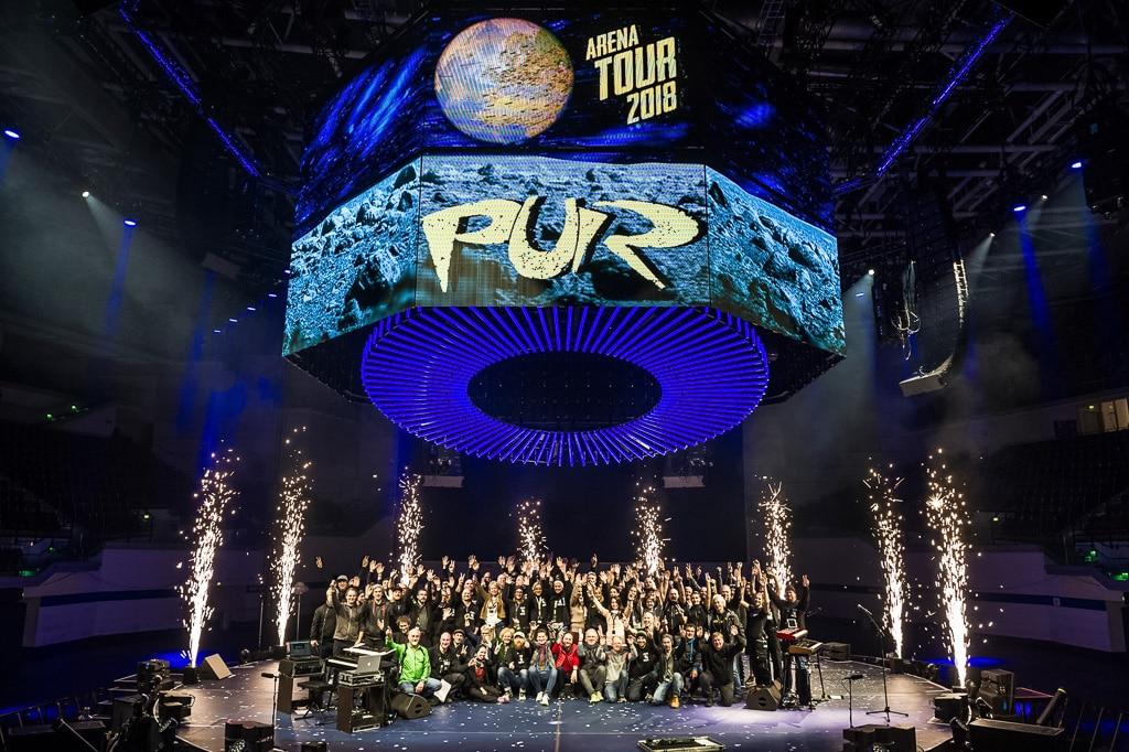 Technik-Crew der PUR Arena-Tour 2018 auf der Bühne