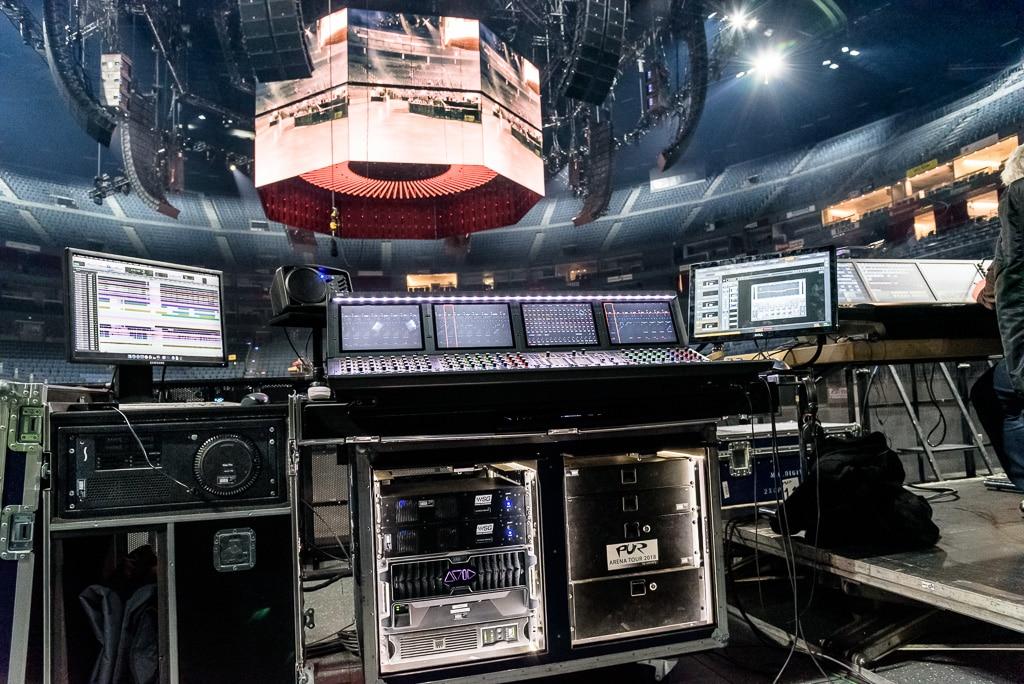 Blick aus dem Sound-FOH auf das Hallendach