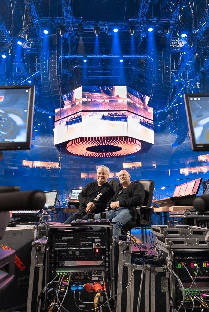 Peter Seifert (links, FOH Licht) und Patrick Eckerlin (Produktionsleitung und FOH Sound)