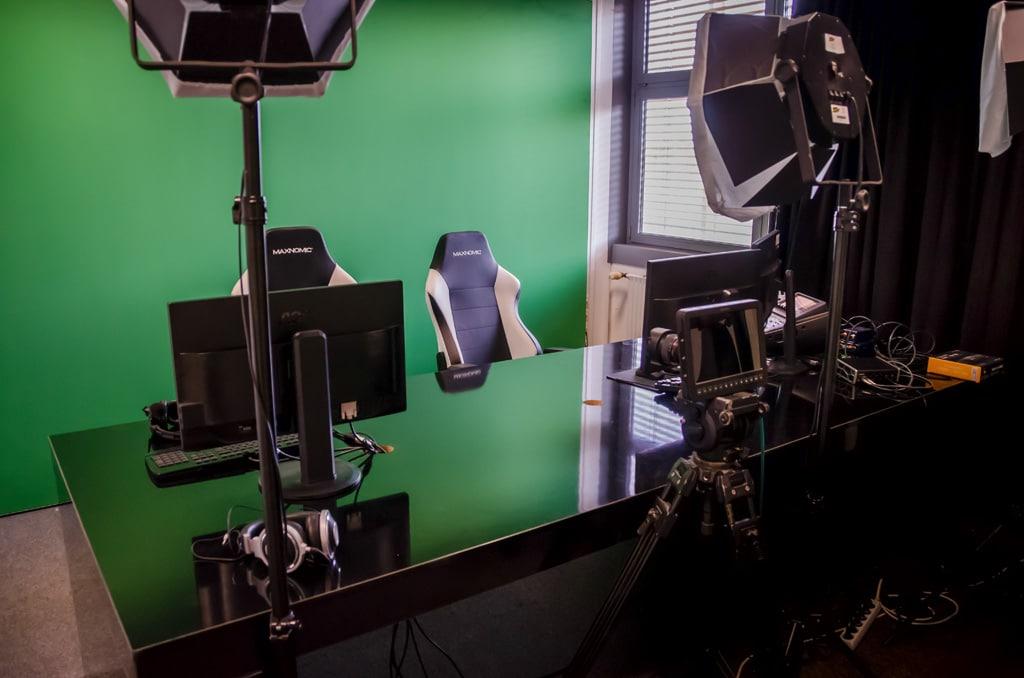 Kleines Studio mit Green Screens Freaks 4U