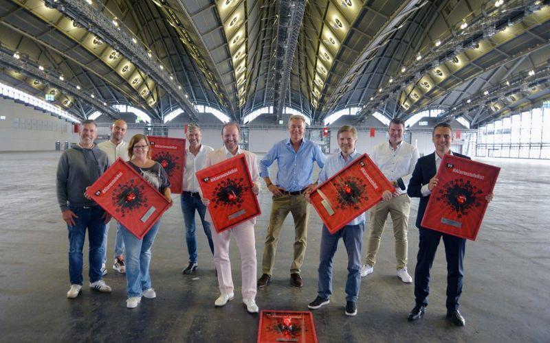 (v.l.n.r.): Florian Böhlendorf (IMUC Vorstand Mitglieder), Timo Holstein (IMUC Vorstand Finanzen), Sandra Beckmann (Initiative für die Veranstaltungswirtschaft), Wolfgang Weyand (IMUC Vorsitzender), Tom Koperek (LK-AG), Detlef Braun (Geschäftsführer Messe Frankfurt), Christian Eichenberger (Partyrent Group AG), Michael Biwer (Vice President Guest Events Messe Frankfurt), Nico Ubenauf (Satis & Fy AG)