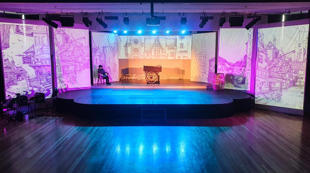 Bühne mit Projektion
