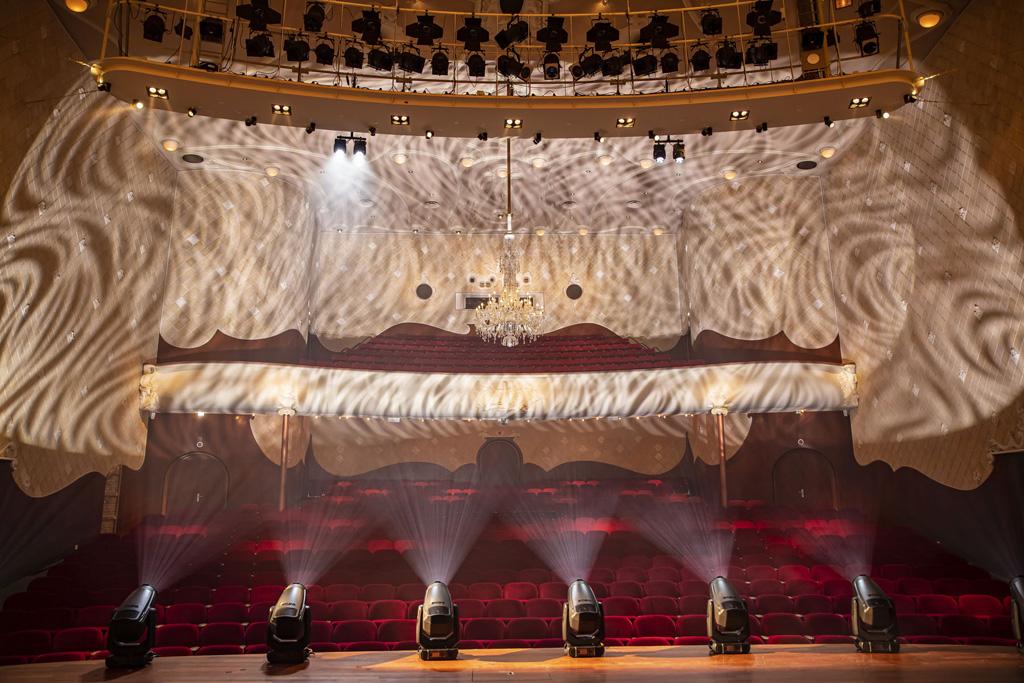 Blick von der Bühne in den Publikumsraum